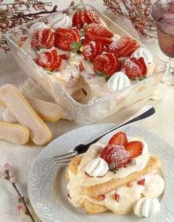 Strawberry Prosecco Tiramisu (Dairy)