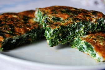 Pesach Frittata with Spinach, Raisins and Pine Nuts (parve)