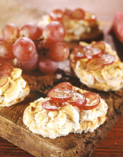Tartines with Blue Cheese and Red Grapes