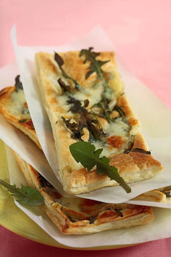 Puff Slices with Dandelion and Cheese - DinnerInVenice