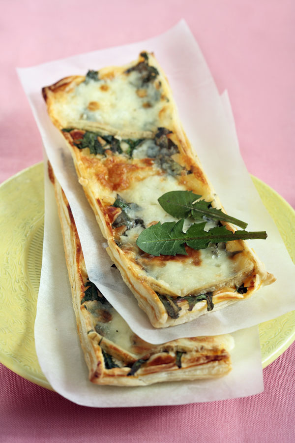 Puff Slices with Dandelion and Cheese 2 - DinnerInVenice